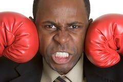 Hombre de los guantes de boxeo foto de archivo libre de regalías