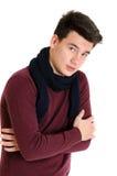 Hombre de moda del adolescente en suéter con la ISO fría de la actitud caliente de la bufanda Foto de archivo
