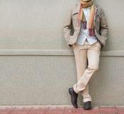 Hombre de moda en beige Imagen de archivo