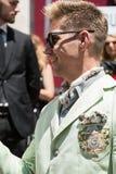 Hombre de moda en la semana de la moda del ` s de Milan Men Fotografía de archivo