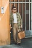Hombre de moda en la semana de la moda del ` s de Milan Men Imagen de archivo