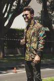 Hombre de moda en la semana de la moda del ` s de Milan Men Imagen de archivo libre de regalías