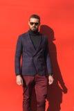 Hombre de moda que presenta durante semana de la moda del ` s de Milan Men Imágenes de archivo libres de regalías