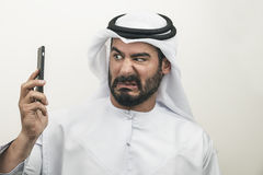 Hombre de negocios árabe enojado, hombre de negocios árabe que expresa cólera Foto de archivo libre de regalías