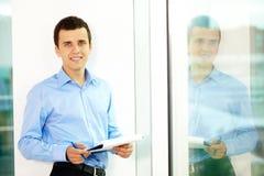 Hombre de negocios acertado Imagen de archivo