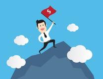 Hombre de negocios acertado que se coloca con la bandera roja en la montaña Historieta del concepto del negocio Foto de archivo libre de regalías