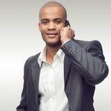 Hombre de negocios africano joven acertado Imagenes de archivo