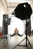 Hombre de negocios afroamericano en estudio de la foto imagen de archivo
