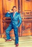 Hombre de negocios afroamericano joven que trabaja en Nueva York foto de archivo libre de regalías