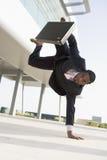 Hombre de negocios al aire libre construyendo por un lado Fotografía de archivo