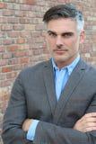 Hombre de negocios apuesto acertado y potente fotos de archivo libres de regalías