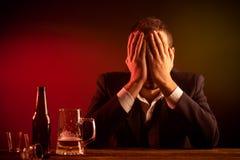 Hombre de negocios borracho fotografía de archivo