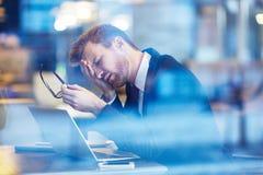 Hombre de negocios cansado fotografía de archivo libre de regalías