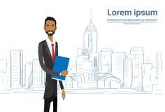 Hombre de negocios Cartoon sobre rascacielos de la ciudad del bosquejo Fotografía de archivo libre de regalías