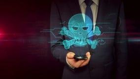 Hombre de negocios con concepto del holograma de la muestra del smartphone y del cráneo almacen de video
