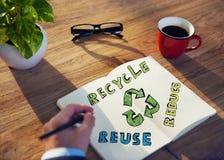 Hombre de negocios con energía y concepto ambiental Foto de archivo