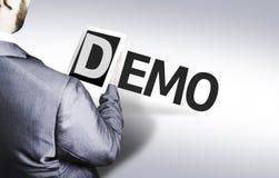 Hombre de negocios con la versión parcial de programa del texto en una imagen del concepto imágenes de archivo libres de regalías