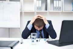 Hombre de negocios con problemas y la tensión Foto de archivo libre de regalías
