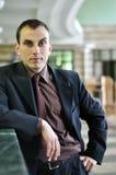 Hombre de negocios confidente y self-assured imagenes de archivo