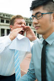 Hombre de negocios de griterío Foto de archivo libre de regalías
