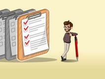 Hombre de negocios del inconformista que inclina una pluma con las listas de control terminadas en el papel ilustración del vector