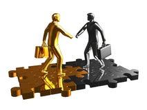 Hombre de negocios del oro y del cromo en rompecabezas. Foto de archivo libre de regalías