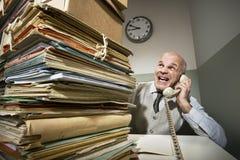 Hombre de negocios del vintage en el teléfono imagen de archivo libre de regalías