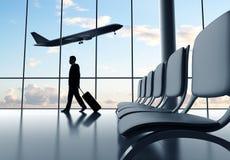 Hombre de negocios en aeropuerto fotografía de archivo
