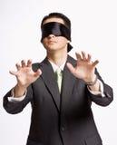 Hombre de negocios en blindfold fotografía de archivo