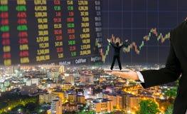 Hombre de negocios en el diseño de concepto del mercado de acción Imagen de archivo libre de regalías
