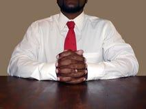 Hombre de negocios en el escritorio Foto de archivo libre de regalías