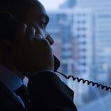 Hombre de negocios en el teléfono imágenes de archivo libres de regalías