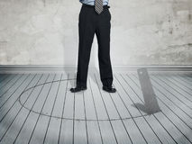 Hombre de negocios en la situación del peligro imagen de archivo libre de regalías