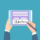 Hombre de negocios Hands Sign Up de la tableta de la firma digital Foto de archivo