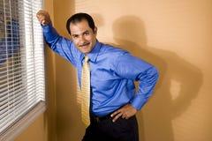 Hombre de negocios hispánico de mediana edad Imagenes de archivo