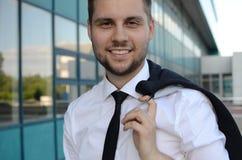 Hombre de negocios joven al aire libre Fotografía de archivo