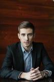 Hombre de negocios joven creativo imagen de archivo