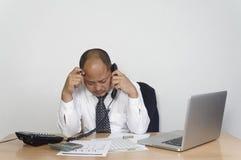 Hombre de negocios joven deprimido - concepto del negocio imágenes de archivo libres de regalías