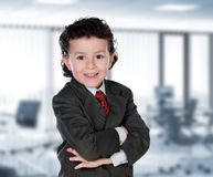Hombre de negocios joven en la oficina Fotografía de archivo