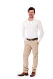 Hombre de negocios joven en la sonrisa casual del equipo Imagen de archivo