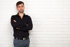 Hombre de negocios joven que hace una presentación Imagen de archivo libre de regalías