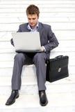 Hombre de negocios ocupado Imagenes de archivo