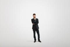 Hombre de negocios pensativo serio en desgaste formal Foto de archivo libre de regalías