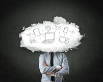 Hombre de negocios profesional con la cabeza de la red de la nube Fotografía de archivo