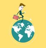 Hombre de negocios que camina en el globo innovación del negocio y concepto del desarrollo Fotos de archivo libres de regalías