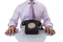 Hombre de negocios que espera una llamada Fotografía de archivo