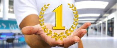 Hombre de negocios que lleva a cabo iconos dibujados mano del trofeo del ganador Imagen de archivo
