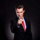 Hombre de negocios que señala en usted foto de archivo libre de regalías