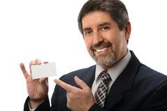 Hombre de negocios que señala a la tarjeta de visita imágenes de archivo libres de regalías