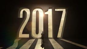 Hombre de negocios que se coloca delante del error tipográfico 2017 en la pared negra ilustración del vector